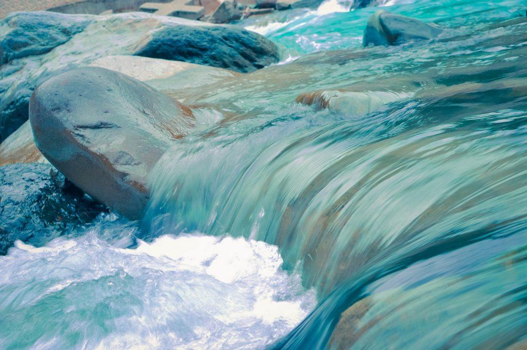 waterfall162245709360b4bb053e488-jpg