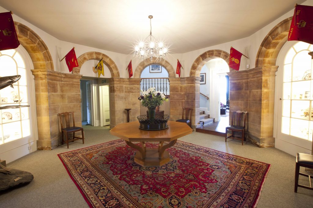 avenue-gordon-castle-hallway162254192960b60669ec7d0-jpg