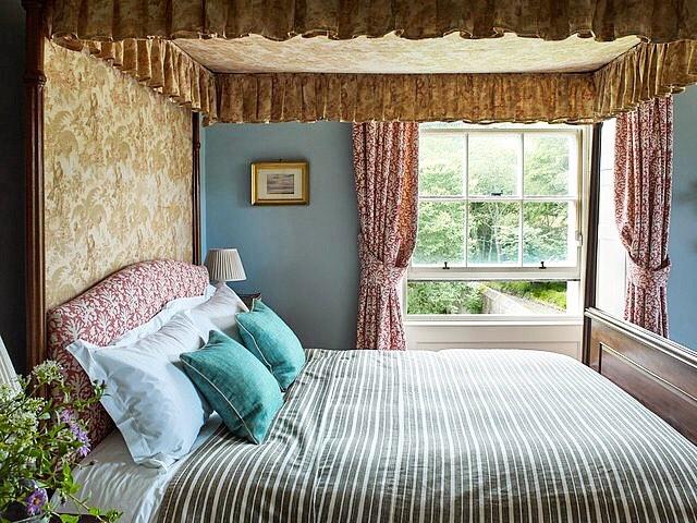 bedroom-3162254370860b60d5c0853d-jpg