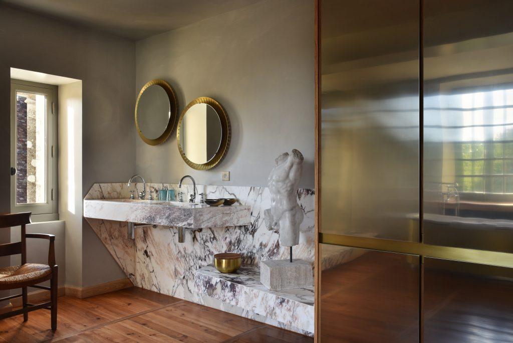 avenue-chateau-bourlie-bathroom162255666160b63ff5f090a-jpg
